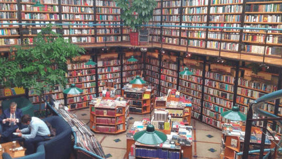 Best bookstores in Mexico City for English Books - El Pendulo